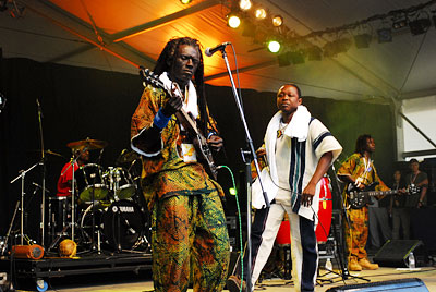 060802refugeeallstars10.jpg